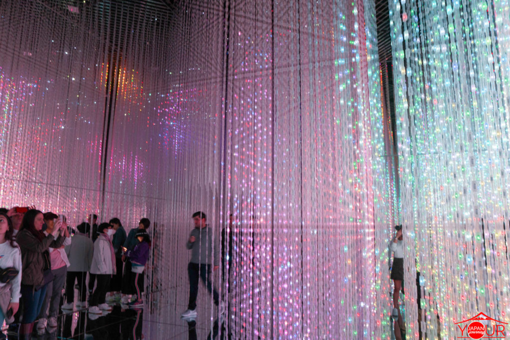 inside-teamlab-mori-bldg-4